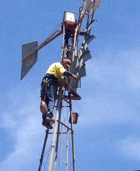 cliff oiling windmill head