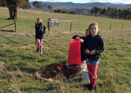 George and girls planting Carkella 2015