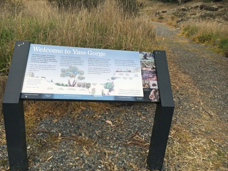 welcome sign Yass Gorge