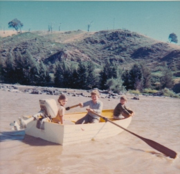 GP 3 Adnamira 3 children in a boat on the river